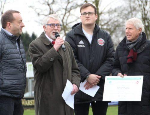 Jugendvorstand Peter Pues vor Neuenkirchen-Spiel geehrt