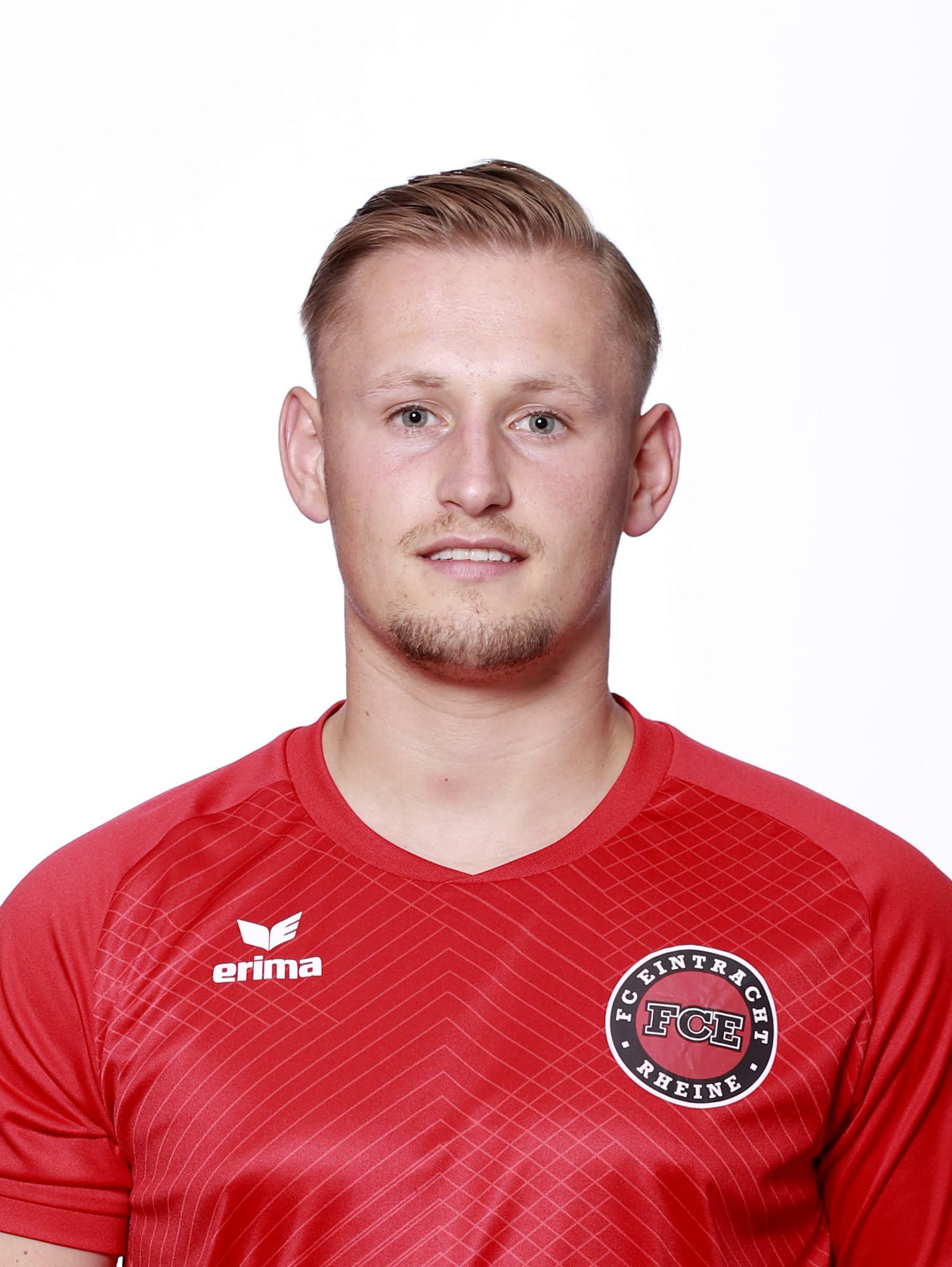 Adrian Knüver